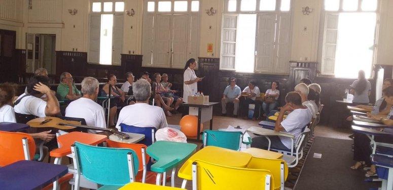 Prefeitura realiza ação com usuários da Associação dos Deficientes Visuais