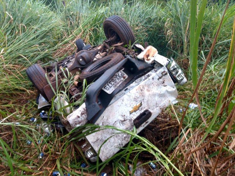 Uma pessoa morre e outra fica ferida em grave acidente na BR-365