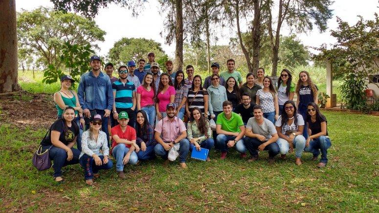 Alunos de Zootecnia participam de visita técnica em Uberlândia