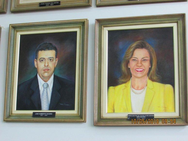 Entronização de fotos de dois Ex-Prefeitos é realizada na Prefeitura de Patos de Minas