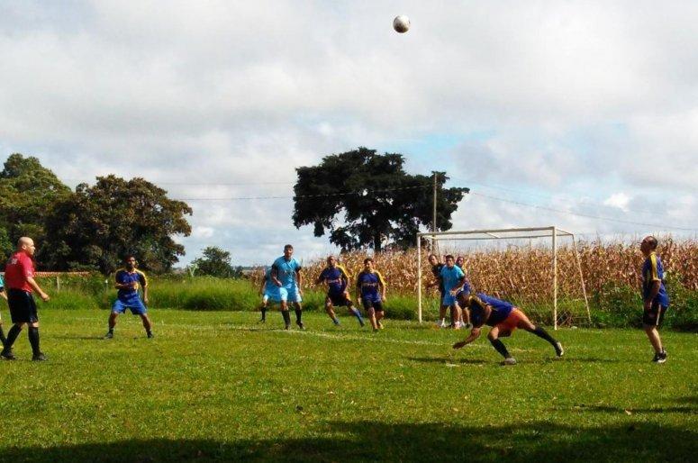 Equipes do leste e oeste lutam pelo título da Taça Zona Rural