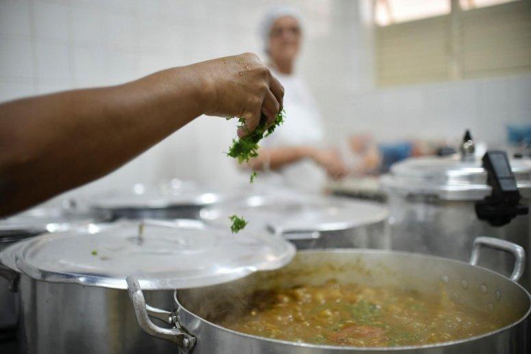 Manipuladores de alimentos escolares receberão treinamento de capacitação na próxima terça-feira