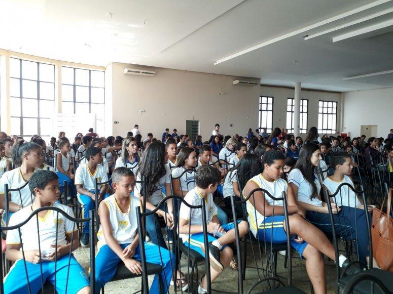 Crianças do AABB Comunidade participam de seminário sobre empreendedorismo