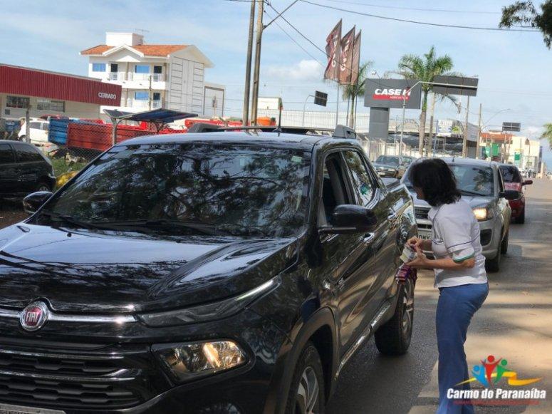 Blitz educativa é realizada na entrada da cidade de Carmo do Paranaíba