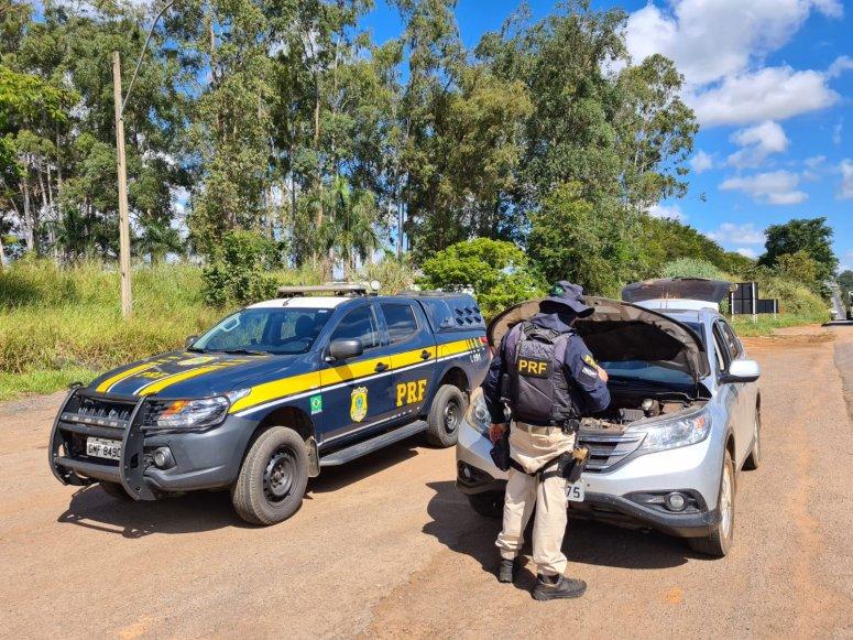 Carro com peças roubadas é apreendido na BR365