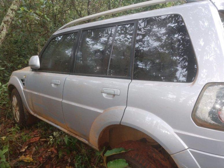 Com a ajuda de fazendeiros, PM encontra veículo roubado em Rio Paranaíba