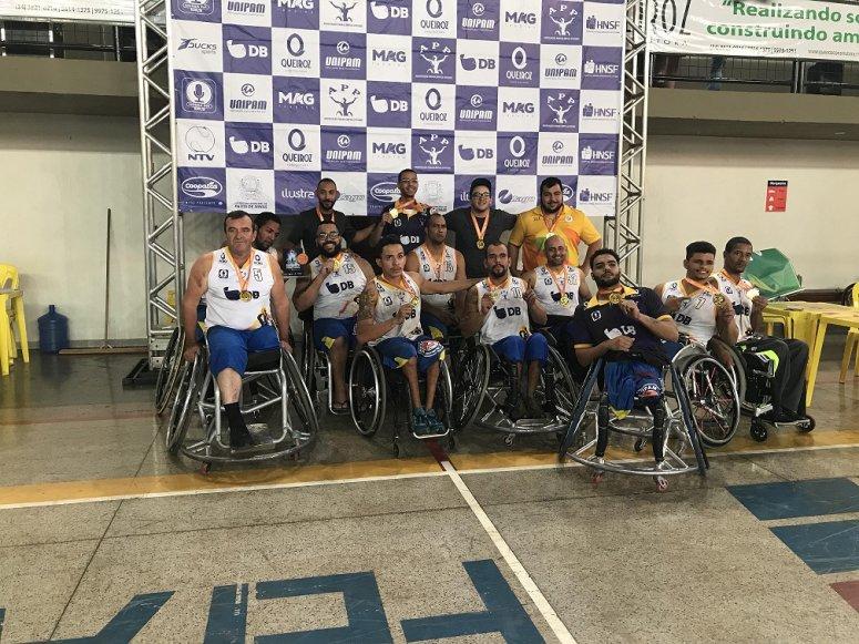 Equipe do UNIPAM é campeã 10ª Copa de Basquete sobre Rodas