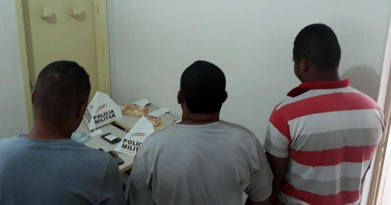 PM age rápido e prende três pessoas por furto de celular e por repassarem dinheiro falso em João Pinheiro