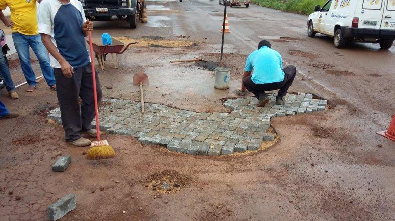 Prefeitura realiza Operação Tapa-buracos em diversos pontos da cidade